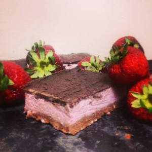Strawberrylious Nanaimo Bars ***raw vegan,organic,gluten free and sugar-free***